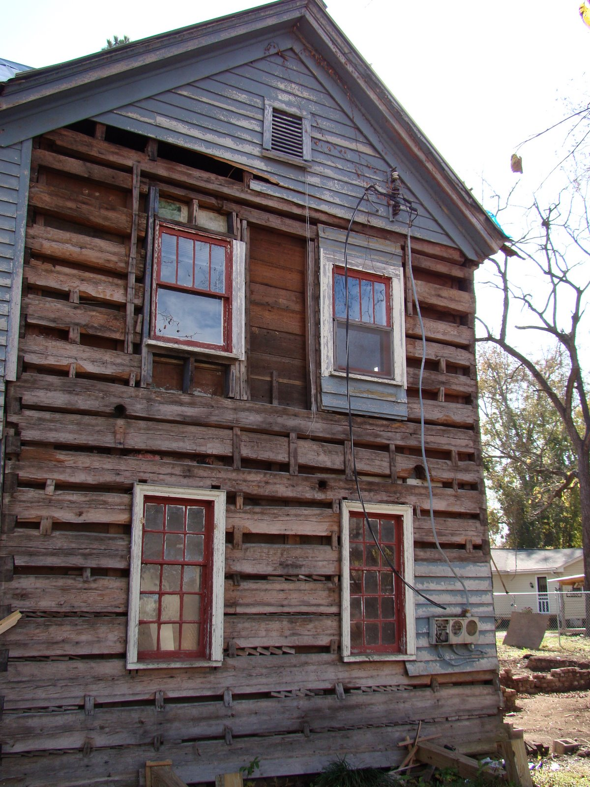 History of the vann cabin more pictures of the two story for 2 story log homes