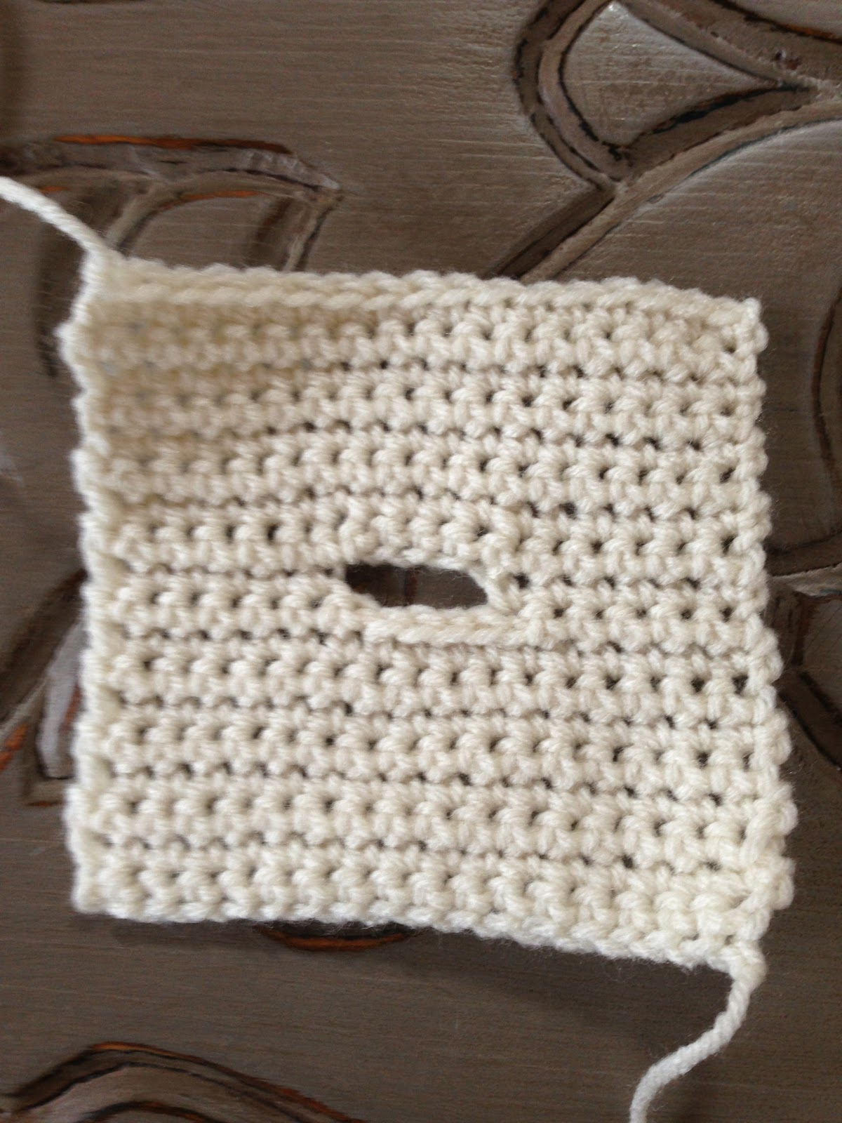 Annoos Crochet World Heart Tissue Box Cover Free Pattern