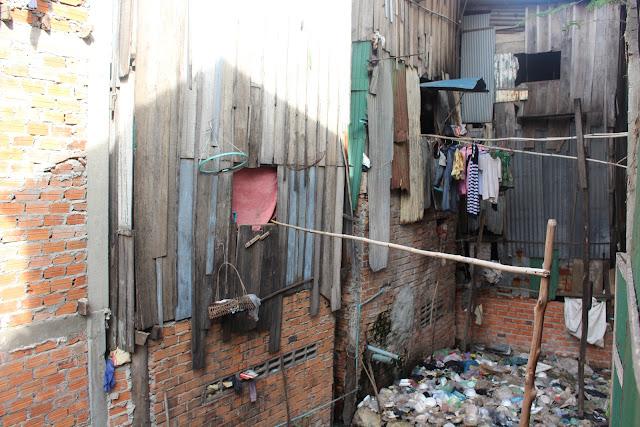Habitat précaire et de gros soucis avec le traitement des ordures