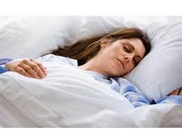 waktu tidur terbaik dan bahaya tidur setelah subuh