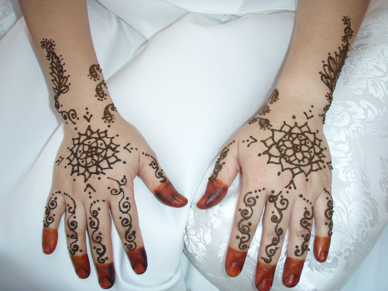FACE PAINTING KL BODY ART HENNA TATTOO Inai Mehendi For A Bride