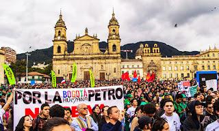 http://3.bp.blogspot.com/-WsK1fKKDXaQ/UrB07QpBNFI/AAAAAAAAKnQ/hlLd5dXwsk0/s320/Jorge_Ivan_Gonzalez_Bogota_Catedral_marcha.jpg