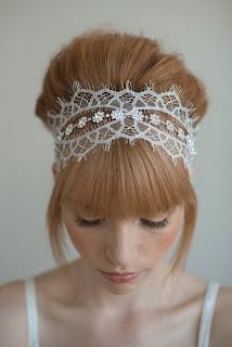 szép hajdísz esküvőre