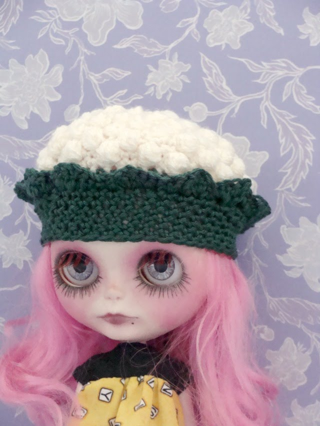 Ayalaythe - Vegetables crochet hat for Blythe doll - cauliflower