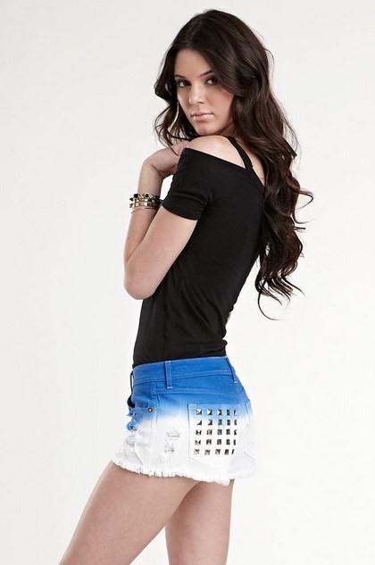 tanktop hitam cantik Foto Top Model wanita cantik Dunia Kendall Jenner