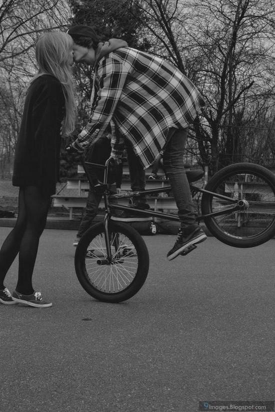 Amazing Boy Bicycle Kiss Girl Cute Couple