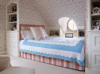 kamar tidur di loteng