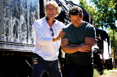 Set photo of Michael Bay and Mark Wahlberg