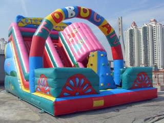 istana balon tobogan besar