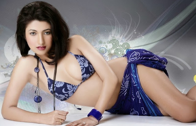 Super Hot Indian, Models in Beach, Wear Bikini Photo,