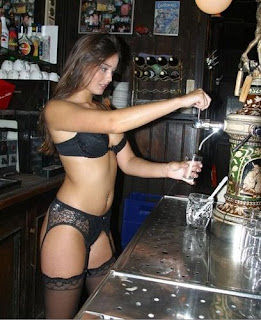 sexy girls in bars, sexy barmaid, how to meet a sexy barmaid, pickup girls in bars and clubs, pickup women in clubs and bars, hot barmaid, meet sexy barmaids