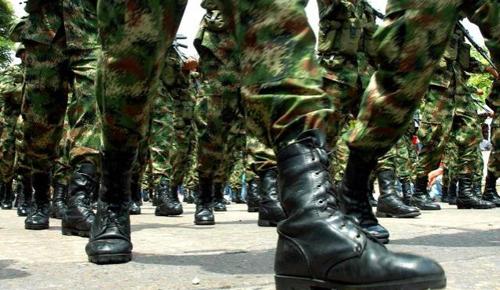 Militares movilizados en Bolivia
