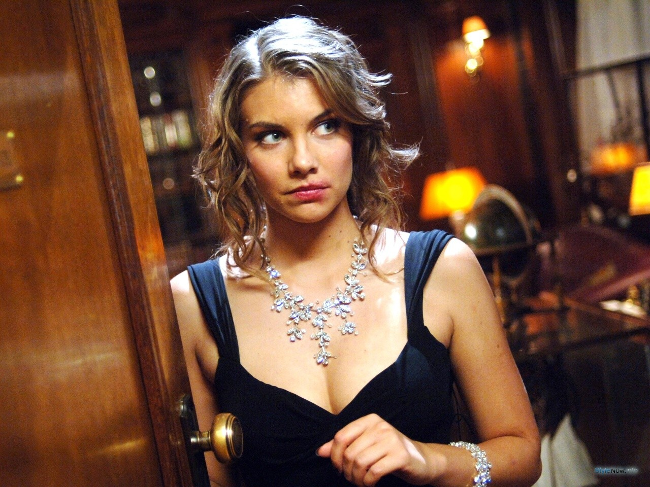 Http awesomepeople com ua lauren cohan