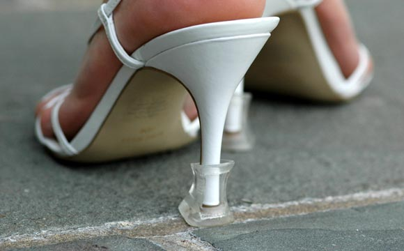 05d06c8d476492 15 Outdoor Wedding Shoes That Won t Sink Into the Grass