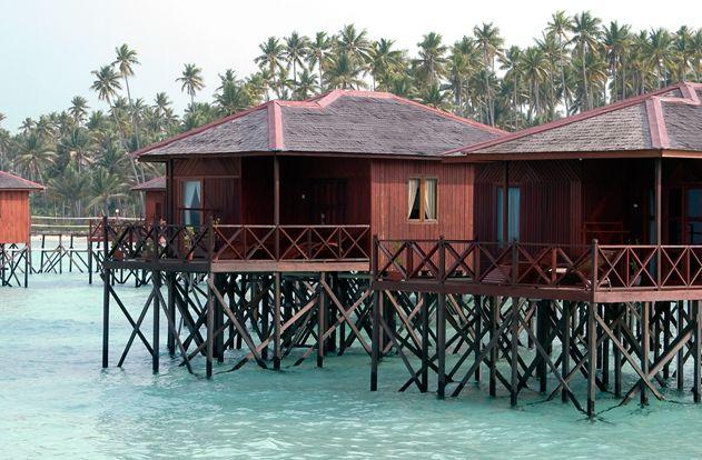 Maratua paradise island naturalis for Piani cottage sulla spiaggia su palafitte