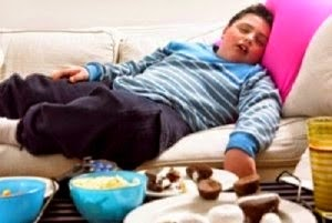 Hindari Risiko Sering Makan Malam Jelang Tidur, Menakutkan!