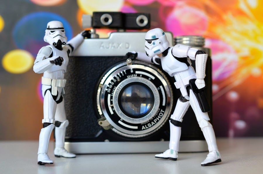 01-RBK-Fotos-on-500px-Life-of-a-Stormtrooper-www-designstack-co