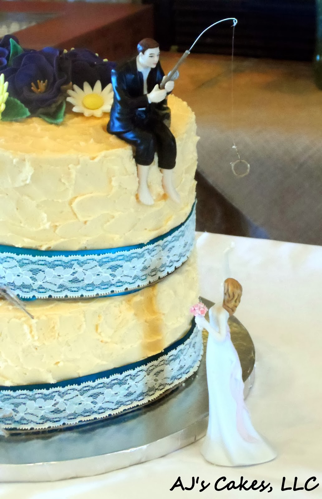 AJ\'s Cakes: Lace, Twine, and Wild Flowers Wedding Cake