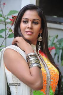 Actress-Chandini-Stills-at-Kiraak-Movie-Opening
