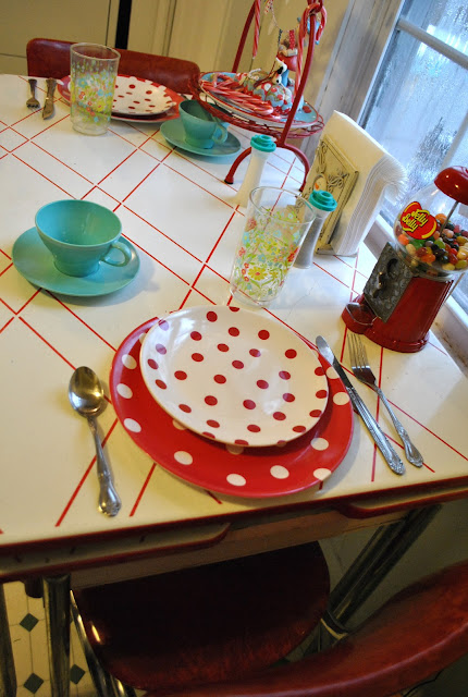 Flashback Summer:  Retro Kitchen Highlight!