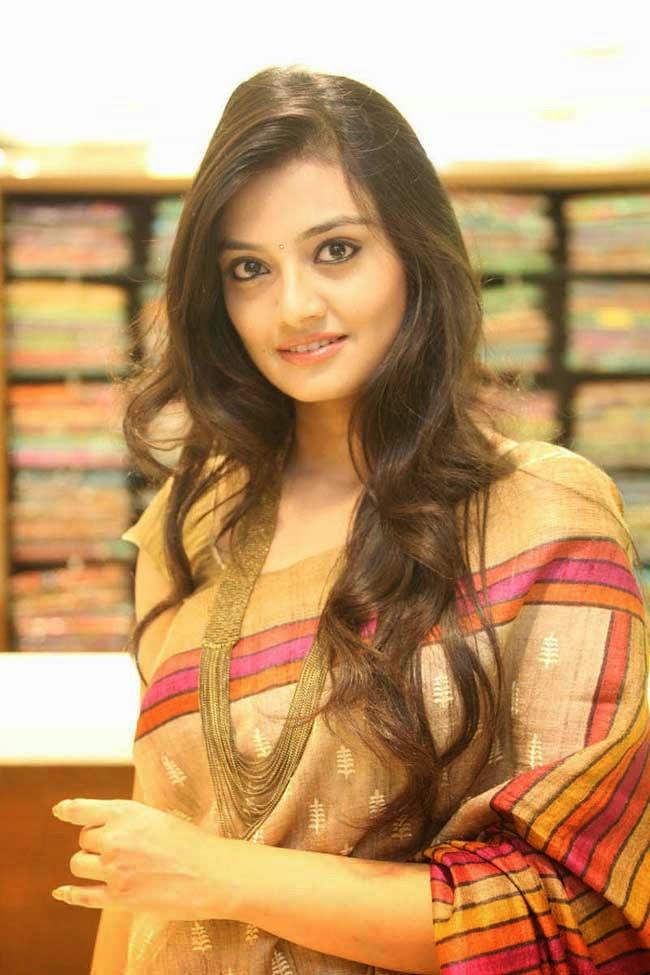 Nikitha Narayan In Jute Silk Saree