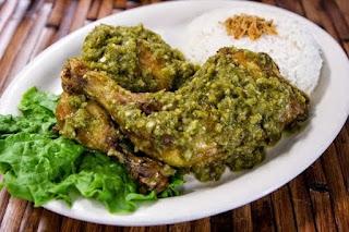Ayam Goreng Penyet Sambal Ijo Khas Banyuwangi