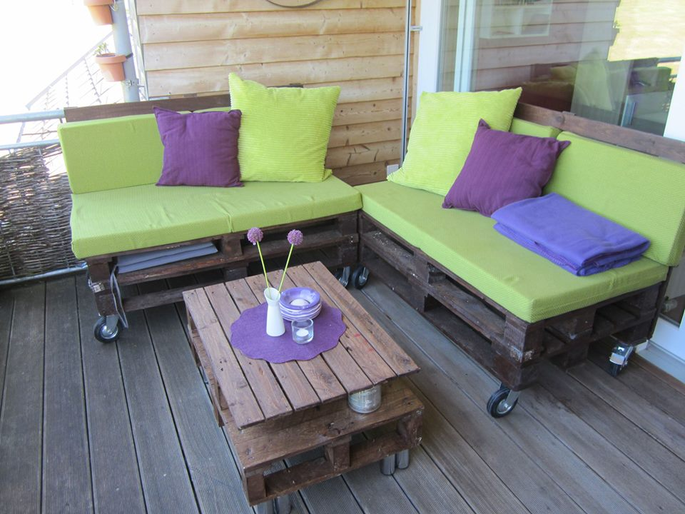 Amazing Awesome Selfmade Sofa And Table