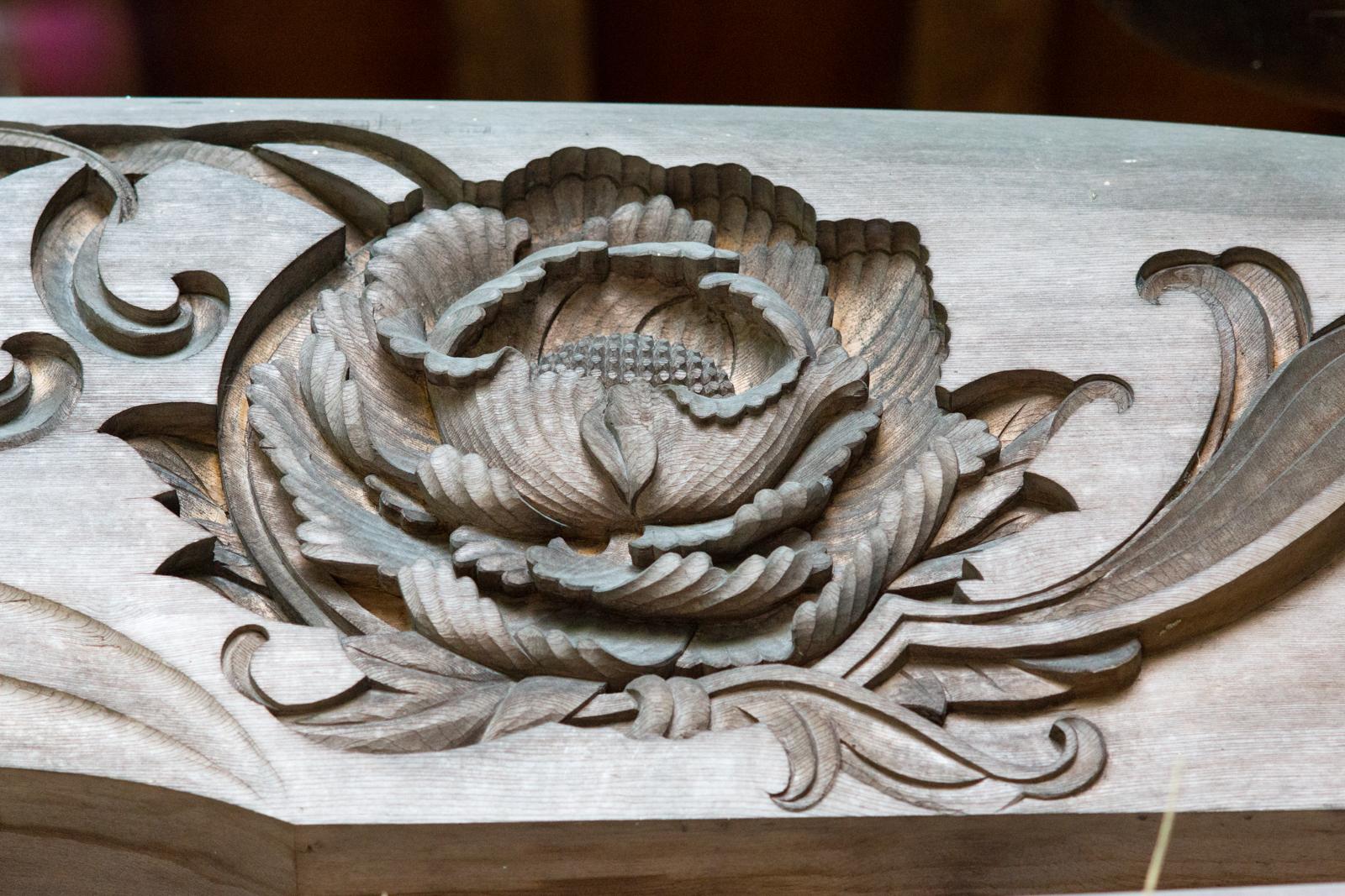 貫井神社、本殿の彫刻飾りの写真