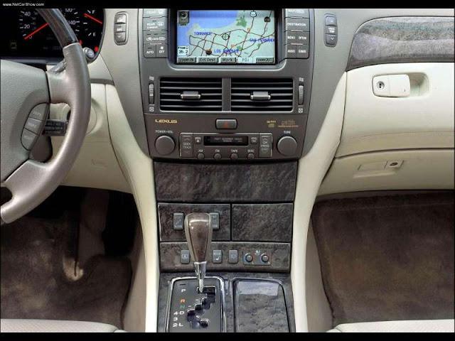 Lexus LS430 (2002)