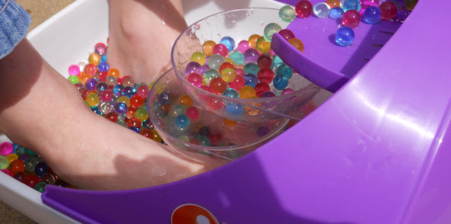 orbeez soothing spa feet size
