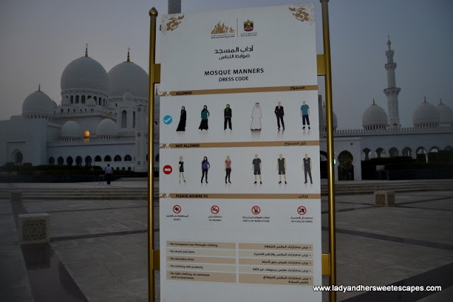 Sheikh Zayed Grand Mosque Abu Dhabi's Mosque Manners