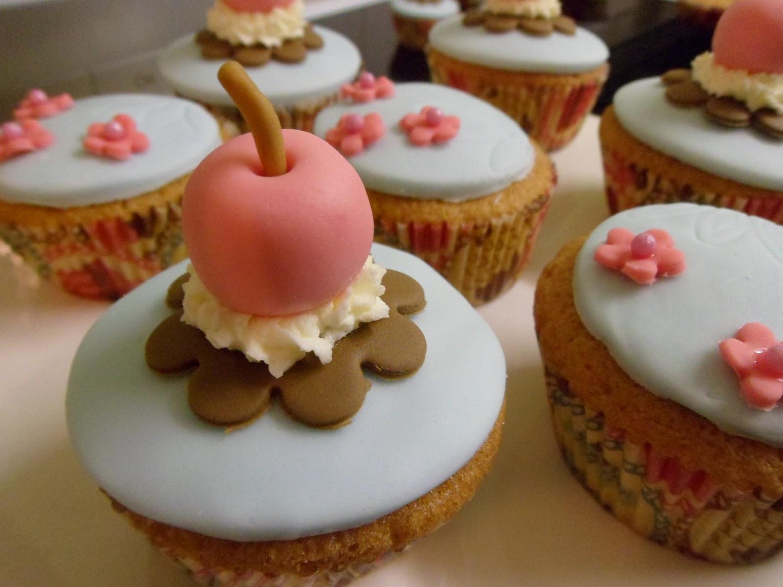 cupcake ice cream cone cupcakes ice cream sundae cupcakes mini ice ...