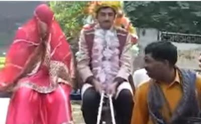 فيديو طريف لعريس يفرّ من عروسه في حفل الزفاف ,groom run from his bride wife on wedding day  in india