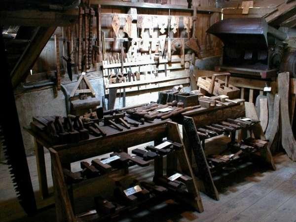 Equerre l 39 atelier du menuisier - Atelier menuiserie a vendre ...