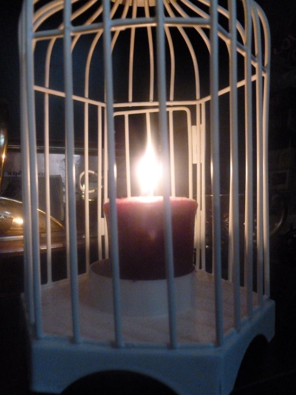 Today I have also been burning some lovely 'Yankee Candles', my favourite ...