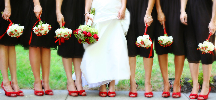 There Are Various Shades Of Red Some Can Work Very Nice With White Wedding Dress While Others Great The Ivory Colored