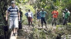 colonizadores han quemado las casas de los cocaleros que invaden para sembrar coca