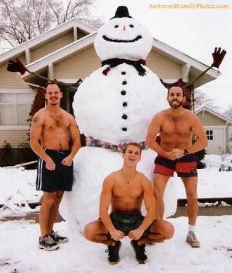 http://3.bp.blogspot.com/-Wx-RXZH34pc/UMXxkqq9LeI/AAAAAAAAlo0/0gXKVZyCcFk/s1600/snowman%2BHunks.jpg