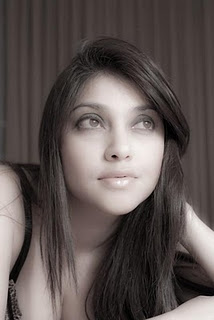 Kumpulan Foto seksi Sarah Azhari yang banyak beredar di Internet ...