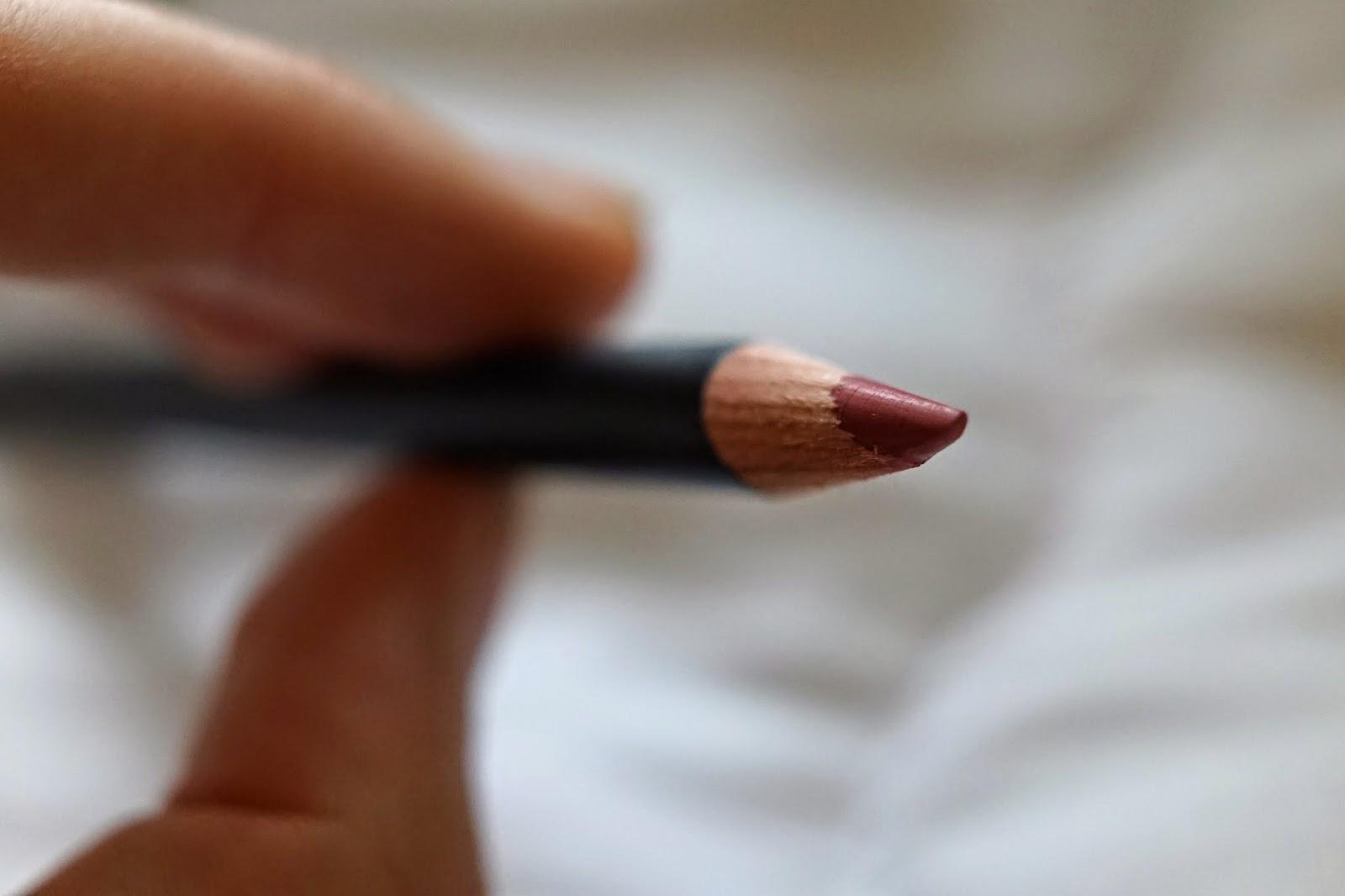 nars rosebud lip pencil