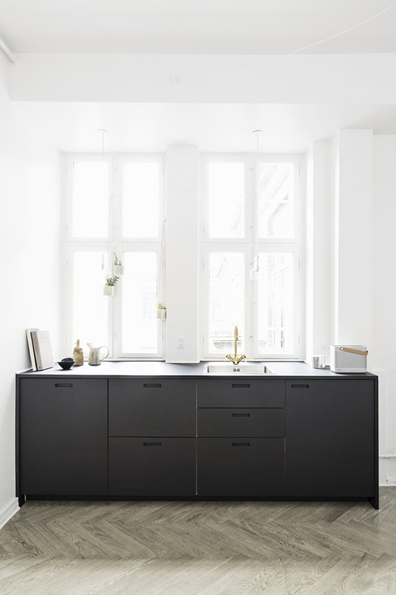 Small minimalist kitchen | Bo Bedre