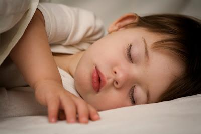 bayi tidur lena