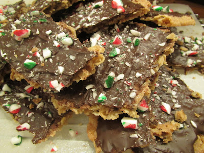 gluten-free oatmeal butter brittle with peppermint topping