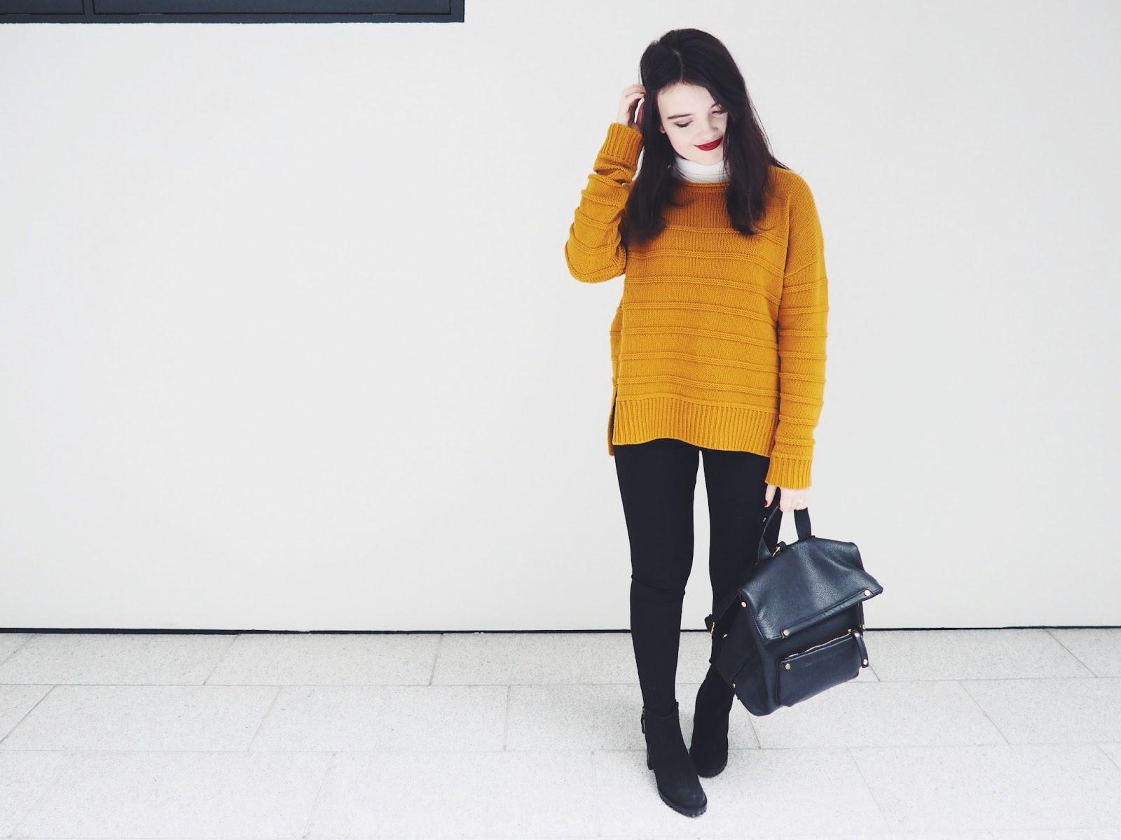 That mustard jumper.