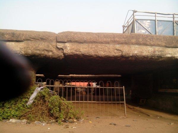 Pics: Heavy Truck Falls On Ojuelegba Bridge Causing Total Blockage Of Movement