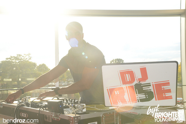 RI5E UP : THE OFFICIAL WEBSITE OF DJ RI5E