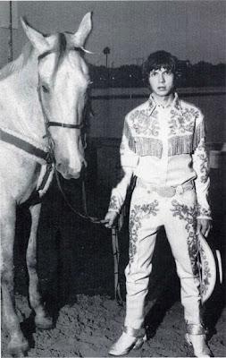 the equine bovine: like a rhinestone cowboy