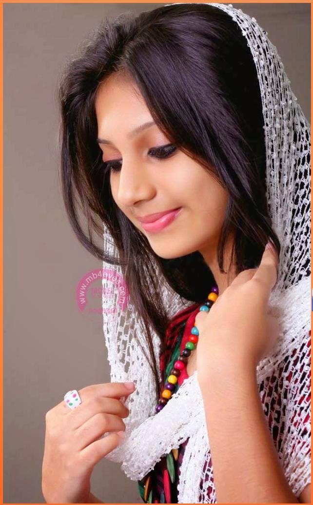 mathrubhumi Model hunt 2014 Gopika Anil winner