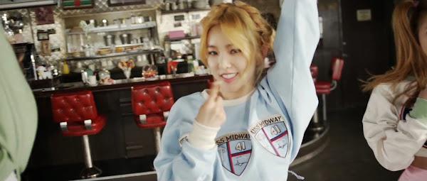 Red Velvet Irene Ice Cream Cake
