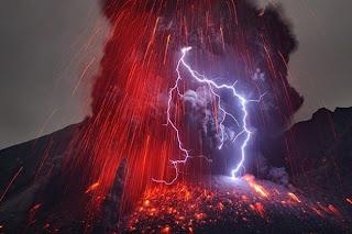 البرق البركاني